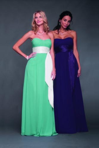 Так наиболее актуальным цветами при выборе платьев подружек невесты в этом году, станет нежная пастельная гамма