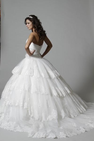 Свадебные платья пышные с кружевами 8