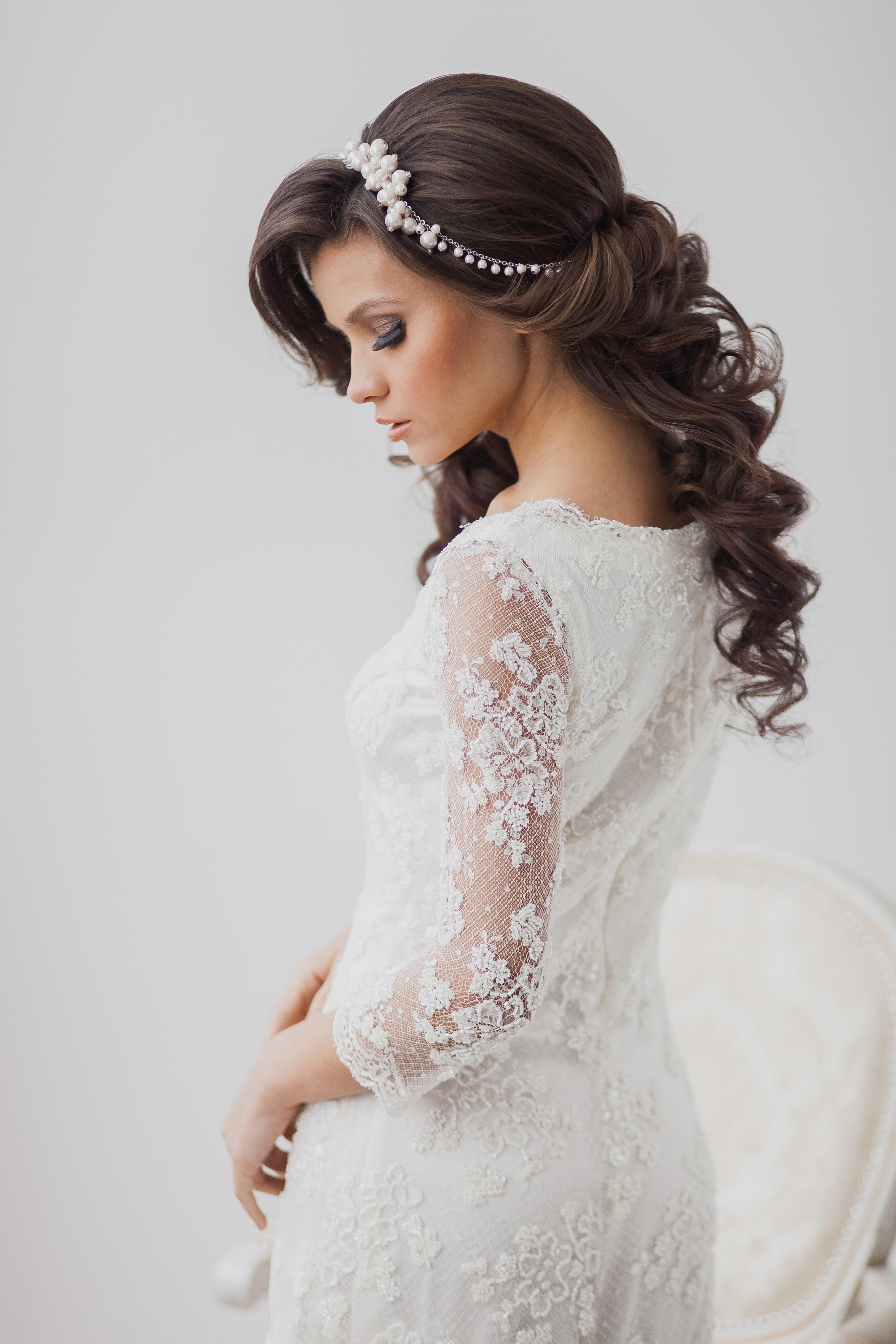 Платье свадебное к короткой прическе