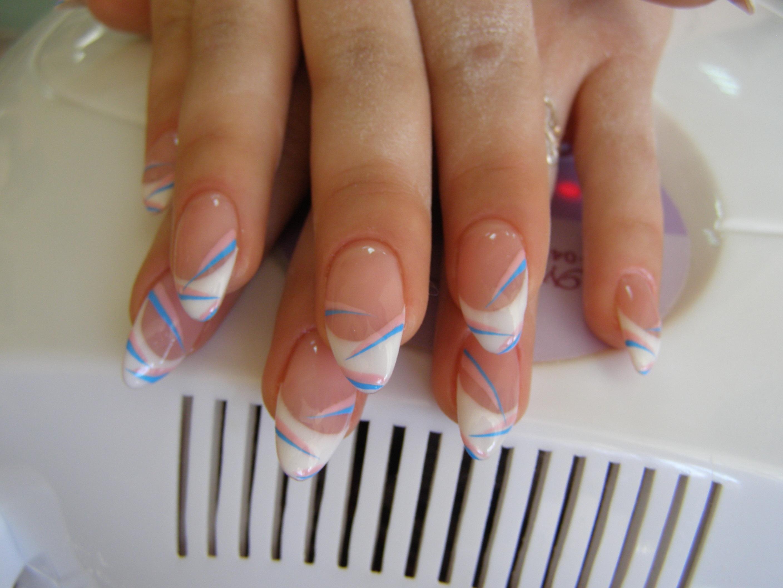 Фото дизайна френч наращивания ногтей