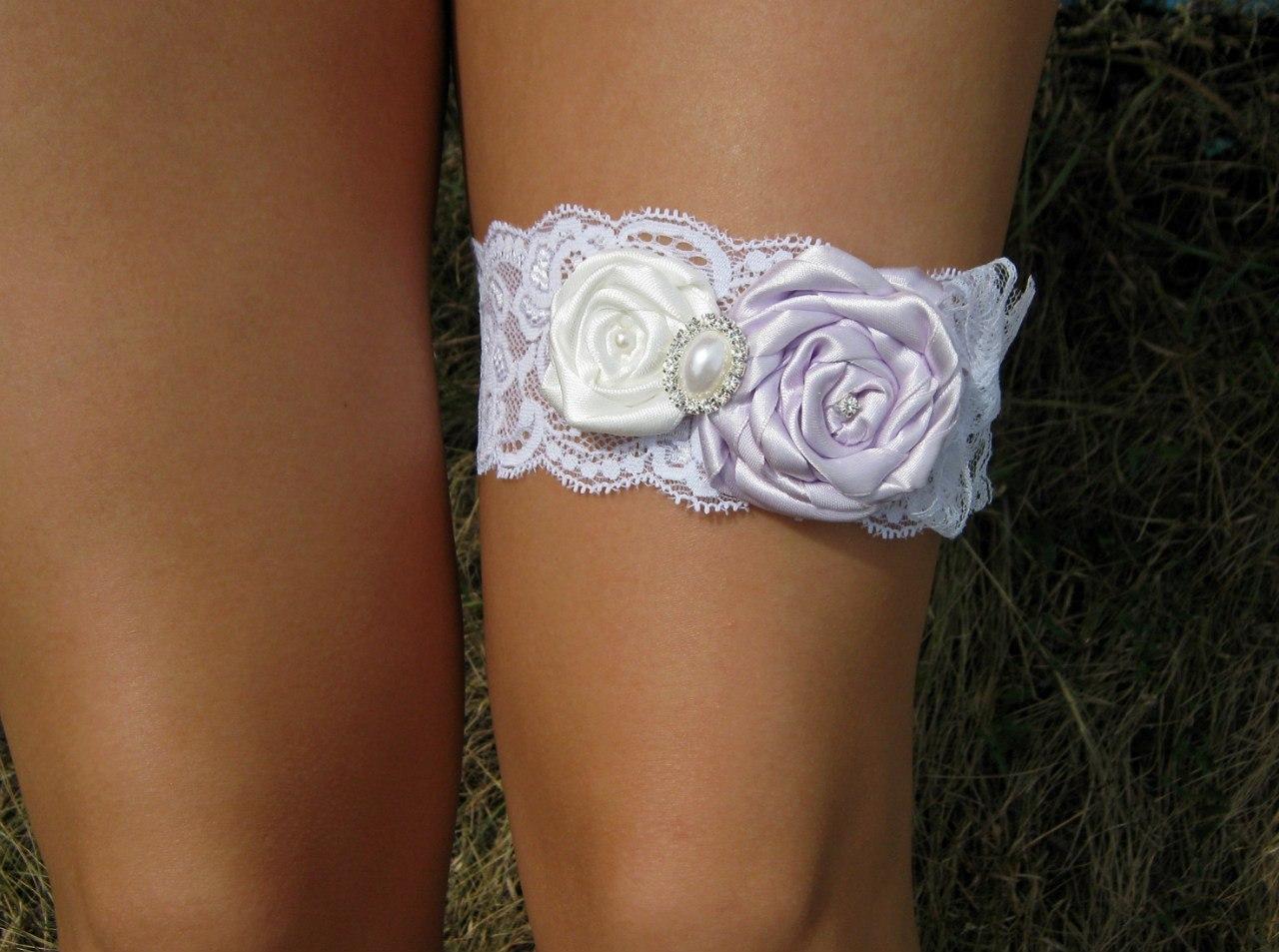 Подвязка на ногу