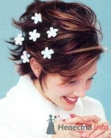 Свадебная прическа невесты с цветами в волосах. - фото 47 simik