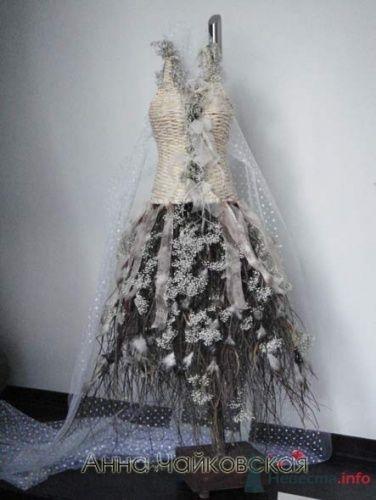 Необычное свадебное платье с короткой юбкой из перьев. - фото 52 simik