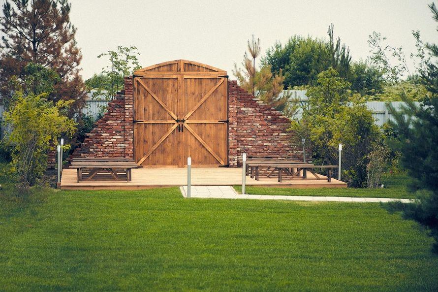 """Амбарные ворота. Выездная регистрация у воды. Загородная свадебная площадка Ранчо. - фото 19767651 Свадебная площадка """"Ранчо"""""""