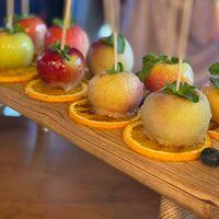 Яблоки в карамели. Десерт на свадебный фуршет.