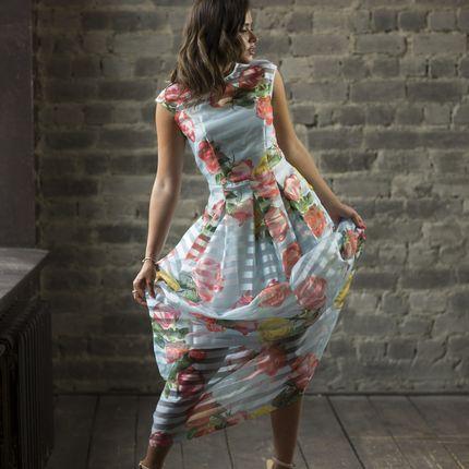 Коктейльное платье с цветочным принтом