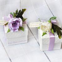 бонбоньерка коробочка Английский сад с цветком сиреневого цвета