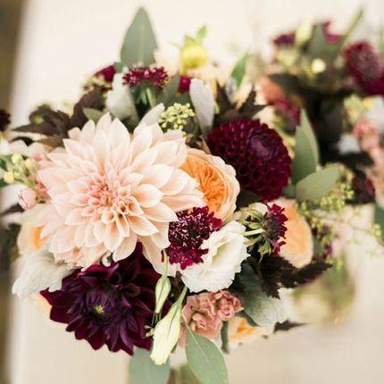 Композиции из живых цветов на столы гостей