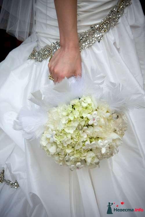 Фото 90137 в коллекции Букет невесты, подружек, и бутоньерка жениха! - Невеста Настенька
