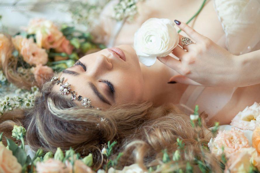 невеста, украшение макияж, утро невесты ранункулус - фото 10879196 Flower vibes - мастерская флористики и декора