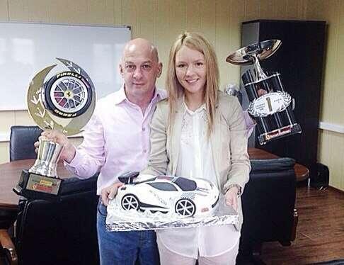 Победитель этапа Ferrari Challenge в Брно с моим тортиком в честь его победы. - фото 3623521 Свадебные торты от Наталии Аржаковой