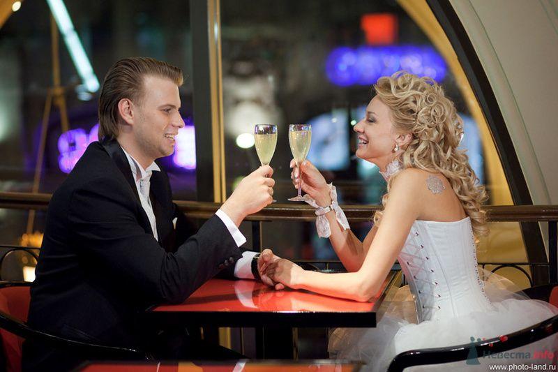 Фото 72420 в коллекции Елена и Александр (версия альбома в цвете) - Свадебные фотоистории от Андрея Егорова