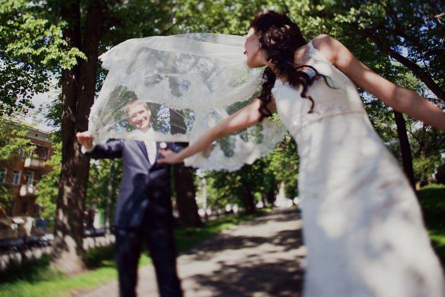 Необычное свадебное фото. - фото 2160628 Свадбеный фотограф Татьяна Кугушева
