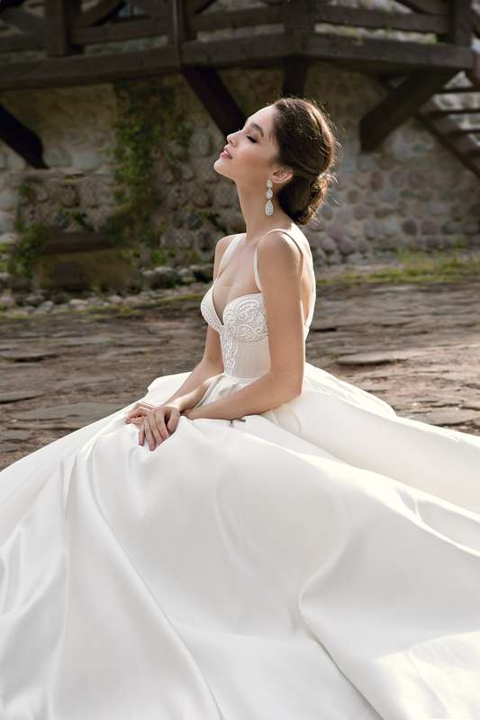 "Фото 14510552 в коллекции ITALIAN BUTIQUE - Салон свадебной и вечерней моды ""Barsonini"""