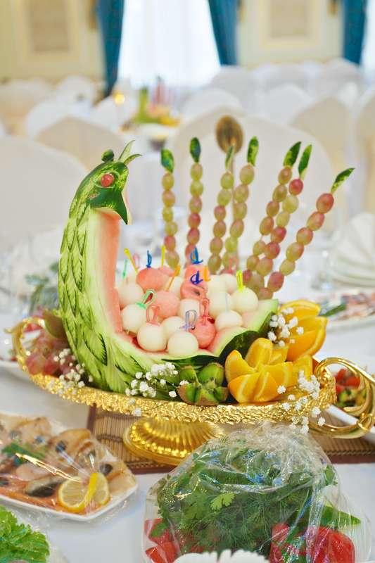"""карвинг на гостевые столы - фото 805539 Свадебное агентство """"Кураж"""""""