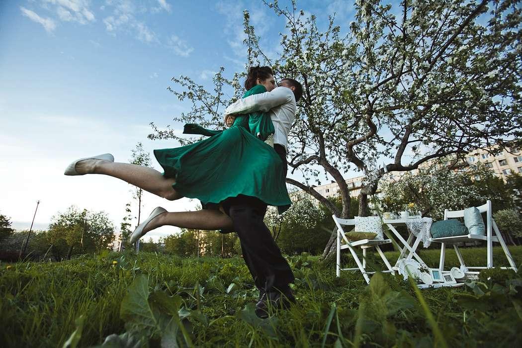 Фото 1934915 в коллекции Весенняя LoveStory в яблоневом саду - Свадебный фотограф Анна Алфёрова