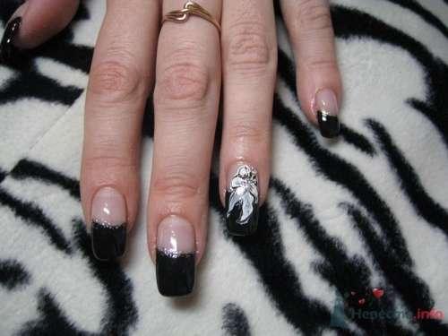 Черный френч с золотой полоской - фото 6238 PerfectioNails - наращивание ногтей гелем и акрилом