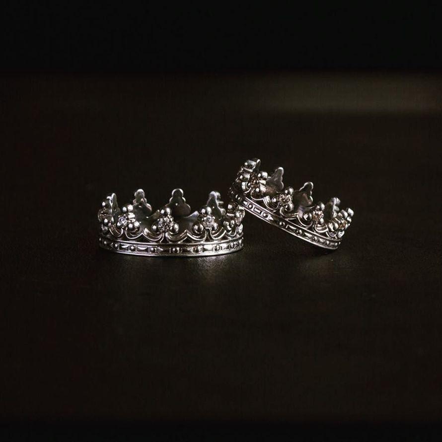 Обручальные кольца для принцев и принцесс. Выполненные из белого золота 585 пробы. - фото 12266608 Ювелирная студия UvelirMoscow