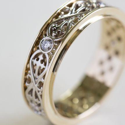 Обручальные кольца со знаком бесконечности