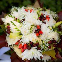 Осенний букетик невесты из стр и фрезий