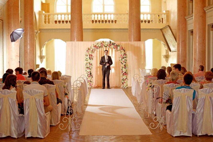 Церемония бракосочетания во дворце - фото 2586163 Ведущий Григорий Разумовский