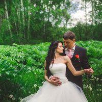 """Многие невесты в свой прекрасный день- хотят быть как принцессы. Невеста Кристина, хотела прическу как у Жасмин- из сказки """"Алладин и волшебная лампа""""- вот и пришлось, так сказать адаптироваться))) Благодарю Сашу, за такую принцессу...."""