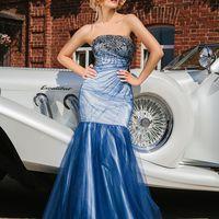 Подружка невесты в голубом