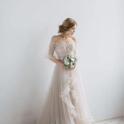 Свадебное платье Вирис Рара Авис