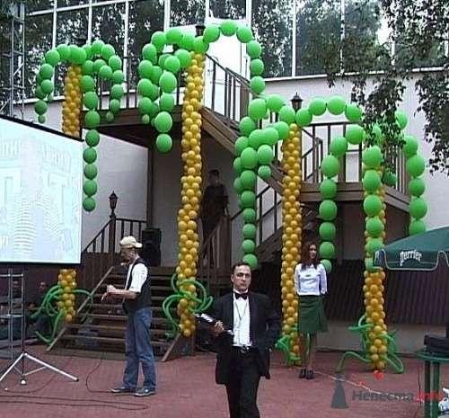 Фото 15564 в коллекции Как  украсить зал шариками самостоятельно - Невеста01