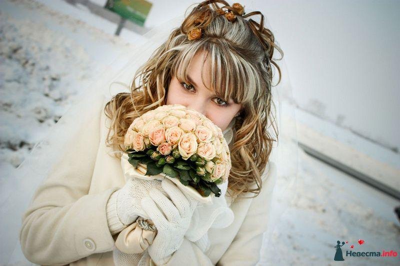 Букет невесты из оранжево-розовых нежных роз - фото 102669 Алексей 89059256709