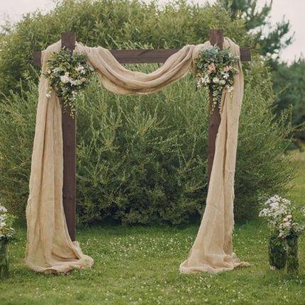 Аренда арки с оформлением живыми цветами