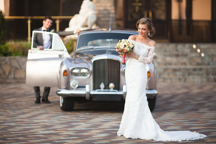 Фотографы: Света и Денис Федоровы  Чтобы узнать свободна ли ваша дата и забронировать нас, позвоните по телефону 8(920) 778-11-78  #света_и_денис_федоровы #weddingphotographer #mywed #wedlife #gorko #wedman #weddingphoto #bride #groom #свадебныйфотографвм - фото 13947058 Фотографы Светлана и Денис Фёдоровы
