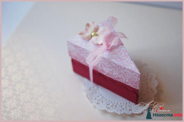 """Бонбоньерка """"Кусочек ягодного торта"""" - фото 110139 Ля Стиль - цветы и подарки"""