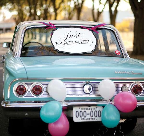 Идея оформления машины в голубом и розовом цвете на свадьбу в стиле ретро, фото ММ-декор - прокат современного декора,аксессуаров - фото 1074441 ММ-декор - прокат современного декора,аксессуаров