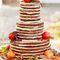 Свадебный торт из коржей с фруктами