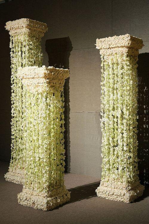 Колонны из цветов своими руками 554
