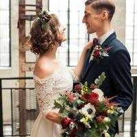 Свадебный букет и бутоньерка жениха