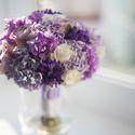 Сиренево- фиолетовый букет невесты из роз и сирени