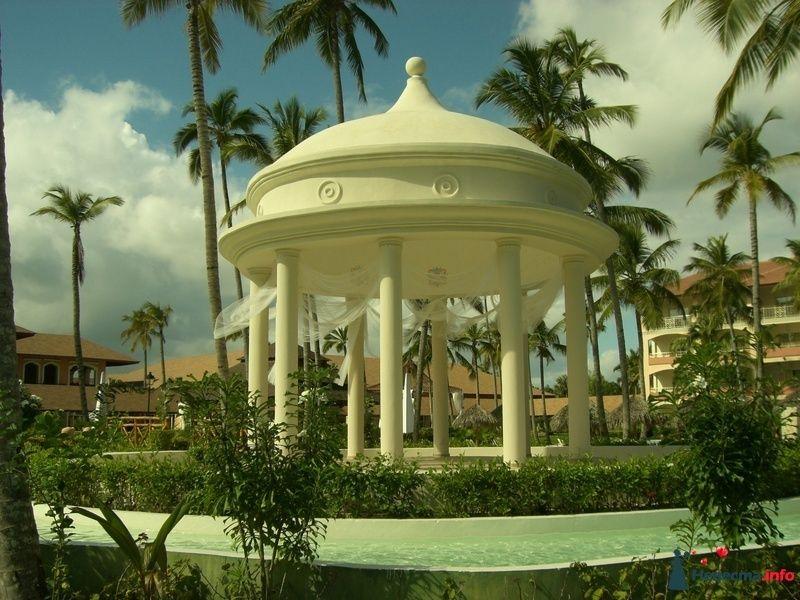 беседка для проведения свадебных церемоний отеля Majestic Colonial Punta Cana 5* (Доминиканская республика)