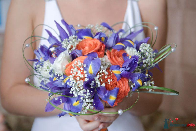 Букет невесты из голубых ирисов и орнажевых роз - фото 116303 Жена своего мужа