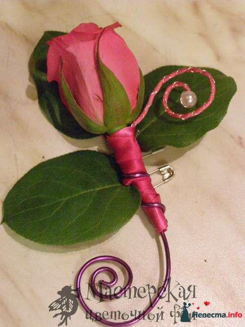 бутоньерка - фото 121618 Мастерская цветочной феи - цветы