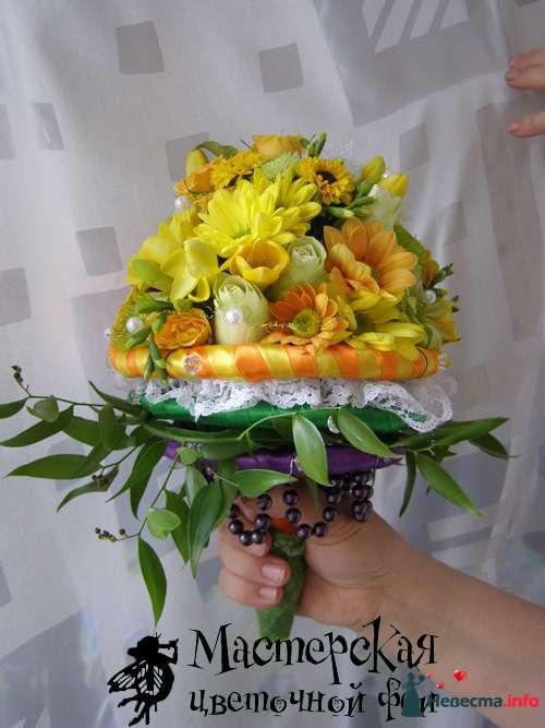 """Букет невесты """"Кольца"""". оригинальный букет яркими цветами, кружевом и бусами. - фото 121641 Мастерская цветочной феи - цветы"""