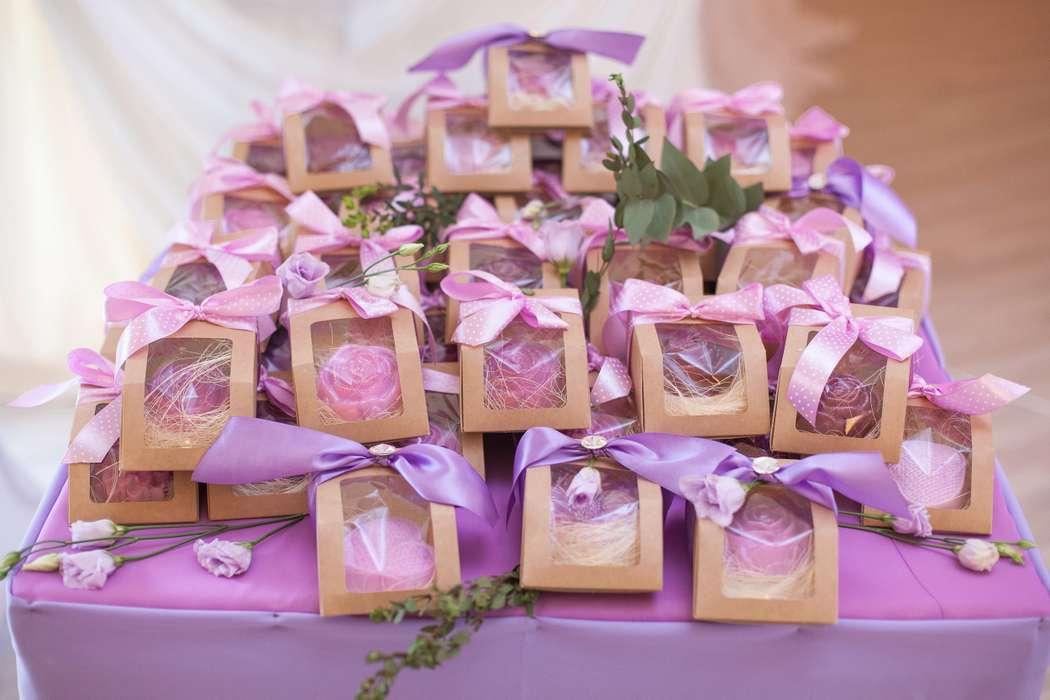 Какие подарки подарить гостям на свадьбе на конкурсы 15