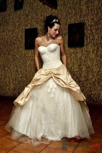 Фото 10078 в коллекции корсетные свадебные платья от Корсманн - Корсманн