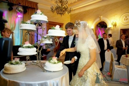 """Свадебный торт на свадьбе Алексея и Анны - фото 11415 Свадебная компания """"Гвендалин"""""""