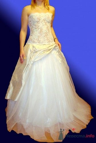 Фото 10215 в коллекции Свадебные платья от Корсманн
