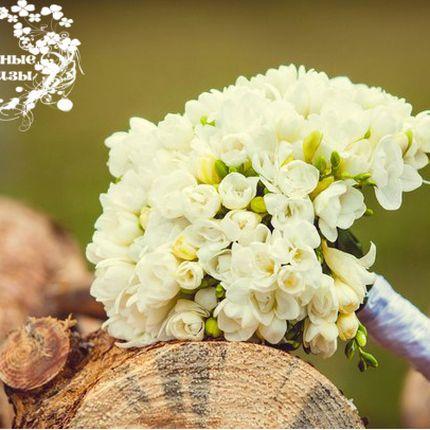 Букет невесты от сезонных цветов