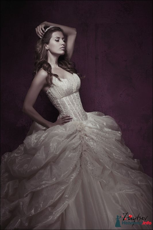 Фото 131136 в коллекции свадебный образ для Виктории Бони