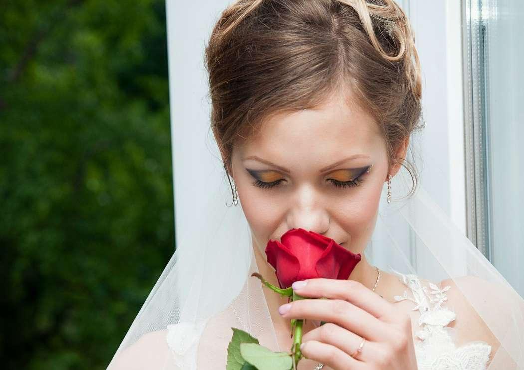 Реквизит для свадебной фотосессии весной в парке трофических
