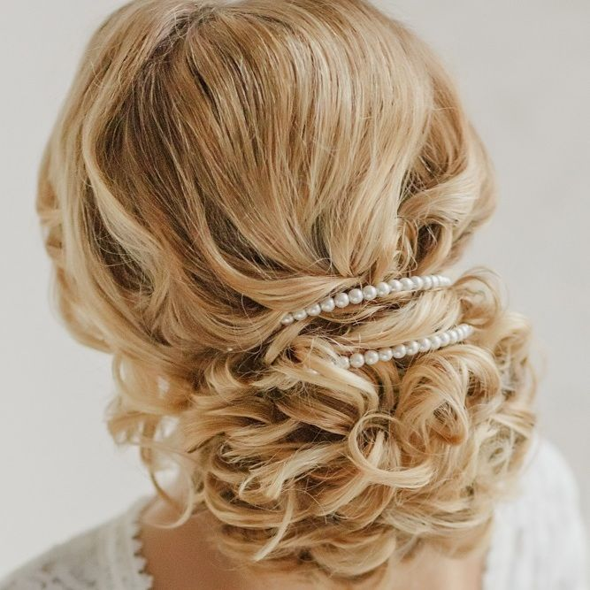 Свадебная прическа на волосы по плечи